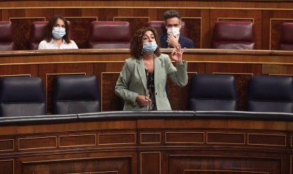 """Montero ve la subida de impuestos en el """"punto de equilibrio"""" y está """"orgullosa"""" de unas cuentas """"expansivas"""""""
