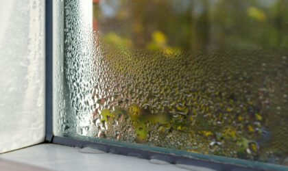 Las humedades aumentan un 30% el gasto energético de las viviendas y hacen que su valor baje hasta un 35%