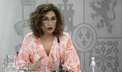 Montero destaca las buenas perspectivas de recuperación ante los datos económicos y el avance de la vacunación