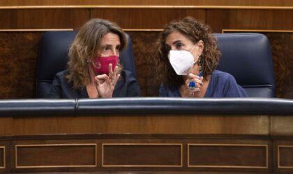 El fondo de Ribera para sacar cargos de la factura de la luz supera su primera votación en el Congreso