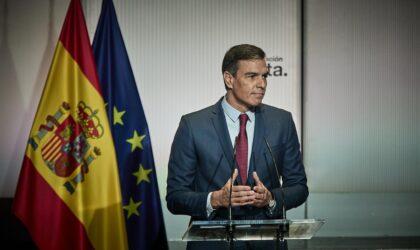 """Sánchez anuncia rebajas de impuestos y recortar beneficios eléctricos extraordinarios para """"topar"""" el gas"""